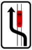 Objíždění tramvaje (jízda podél tramvaje vlevo)
